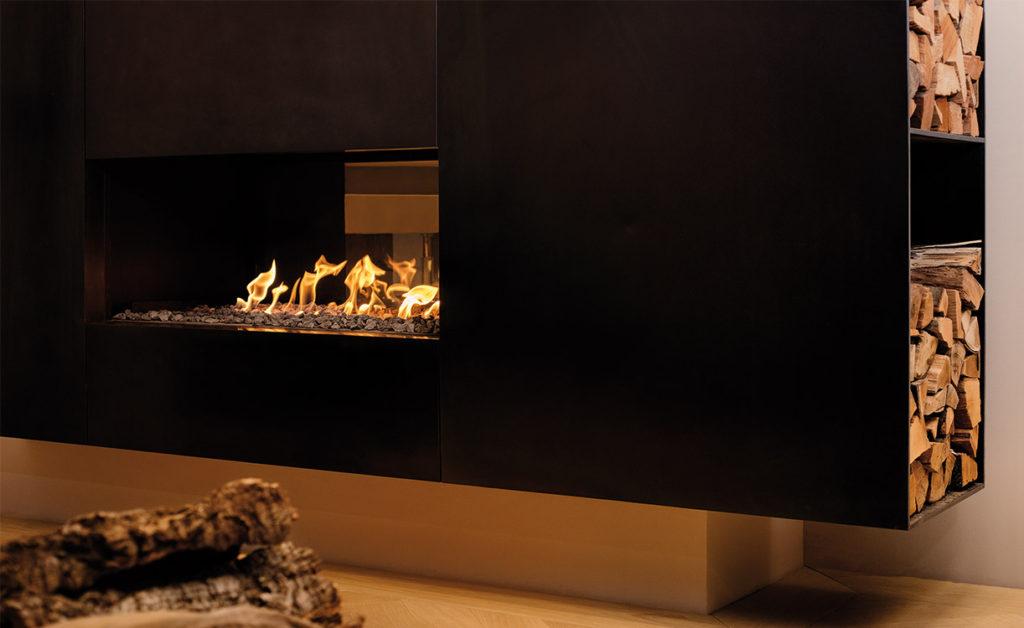 Feuer steigert die Lebensqualität. Man trifft sich am Kamin.
